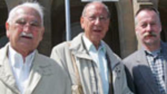 von links nach rechts sind Manfred Menzel, Peter Wald und Lothar Pollähne