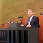 Stefan Politze bei seiner Rede im Plenum