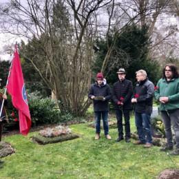 Gedenkveranstaltung zum Weltfrauentag am Grab von Orli Wald