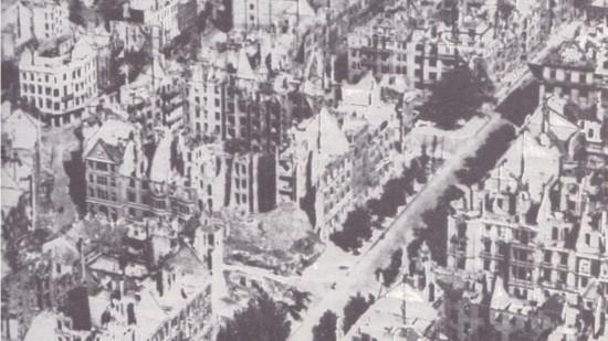Sallstraße mit Nazarethkirche, Imperial War Museum, London