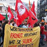 Jusos demonstrieren gegen das geplante neue Versammlungsgesetz