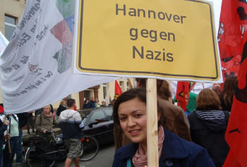 """""""Bunt statt Braun!"""" die Juso AG Südstadt-Bult beim Sternenmarsch am 1. Mai"""