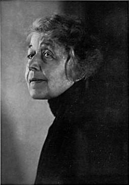 Schwarz-weißes Foto von Ricarda Huch von 1930